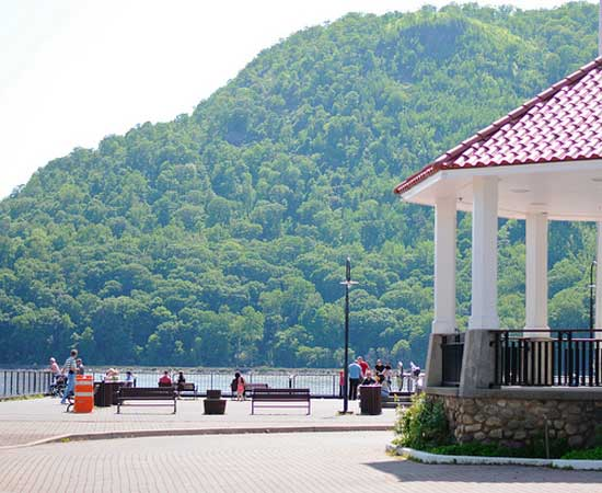 Cold Spring, an inside day trip tip on getting outside of the city limits.  Car not required.