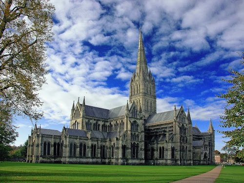Salisbury's most famous house draws loads of visitors.